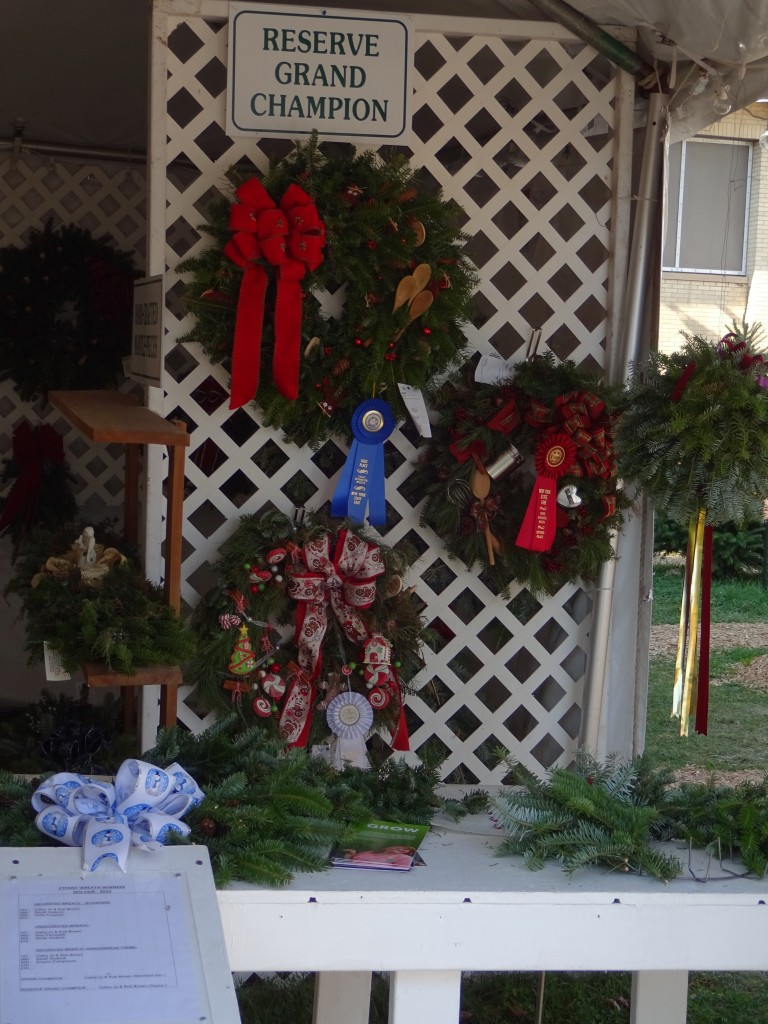 BLUE RIBBON WREATHS 15
