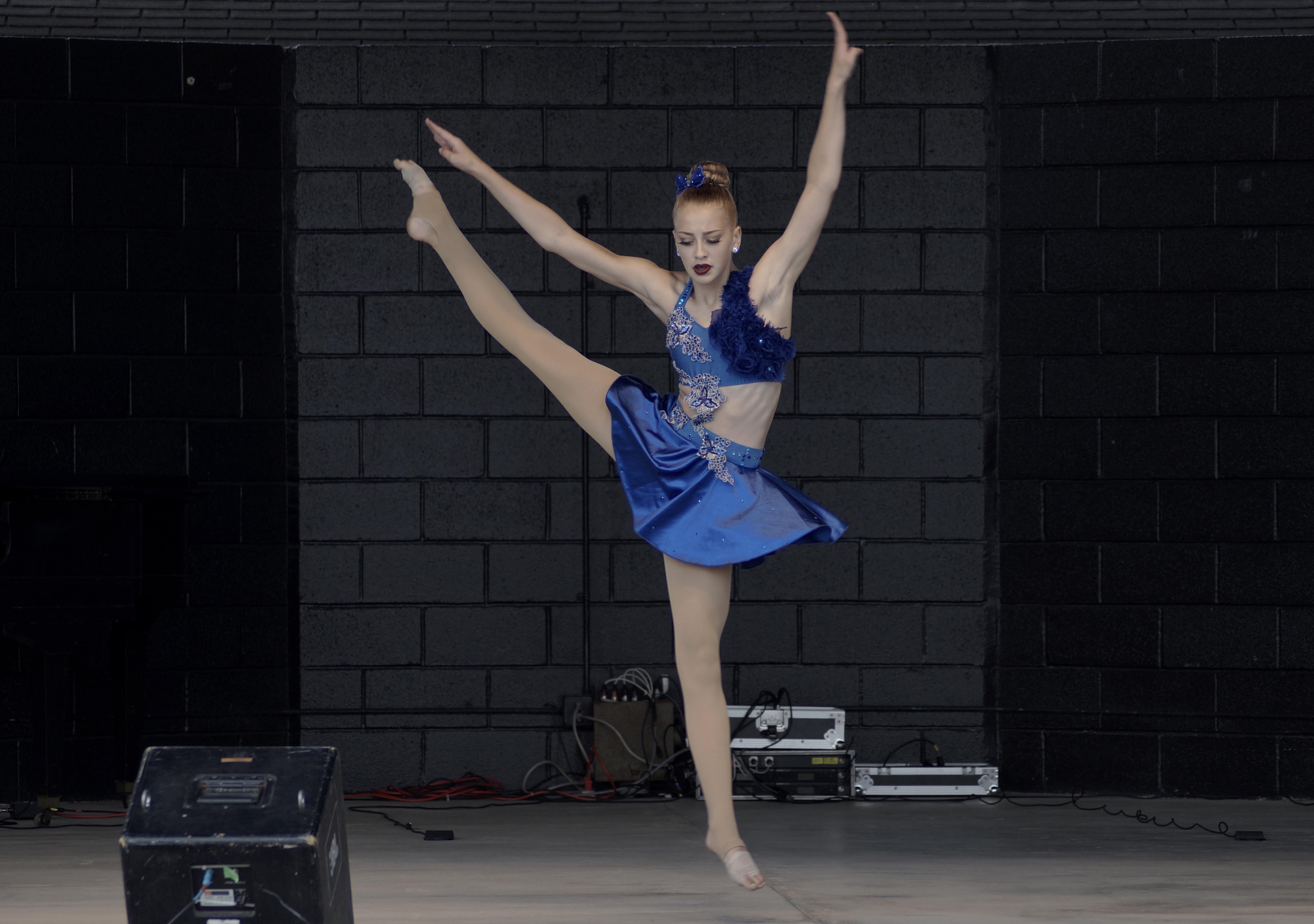 BALLET GIRL 15